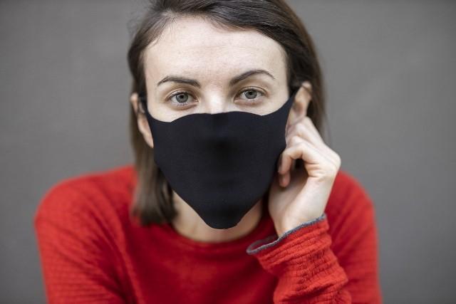 Ilu Polaków wierzy w to, że maseczki skutecznie chronią przed koronawirusem? Co robimy, by zminimalizować ryzyko zakażenia?
