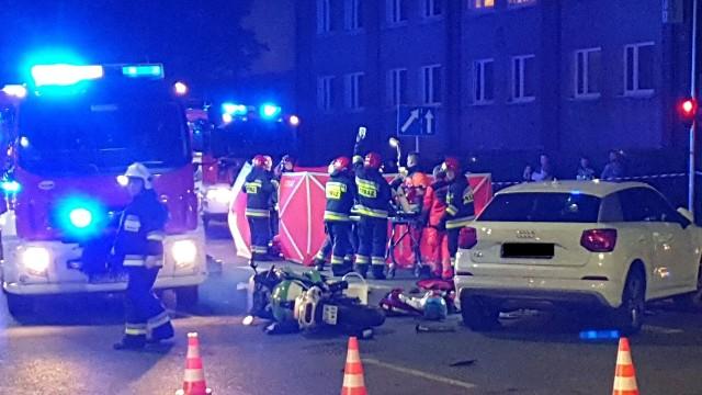 Po godz. 21.00 doszło do wypadku na ul. Niemodlińskiej w Opolu, na wysokości pętli przy ul. Dambonia. Zderzyły się dwa samochody i motor.