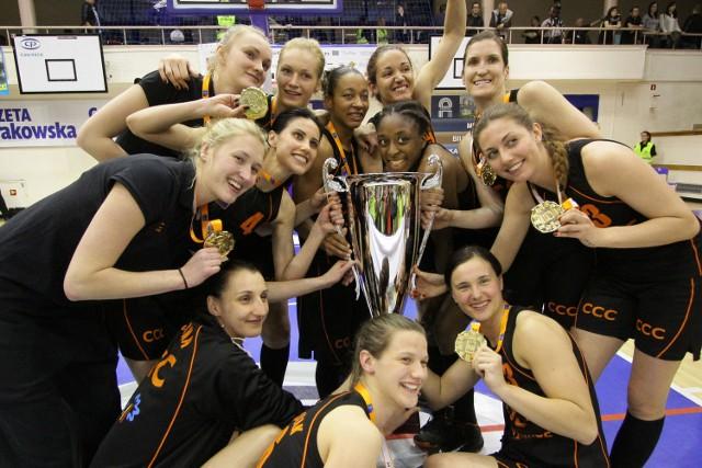 W poprzednim sezonie CCC wygrało z Wisłą walkę o złote medale mistrzostw Polski. W obecnym na razie lepiej wiedzie się krakowiankom
