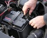 Akumulator. Jak zadbać o akumulator przy dłuższym przestoju?
