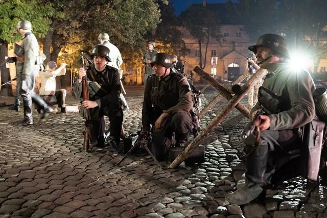 Inscenizacja walk bitwy o Łowicz z kampanii wrześniowej w 2021 roku.