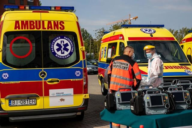Pogotowie ratunkowe w Białymstoku, Sokółce i Siemiatyczach szuka ratowników medycznych do pracy.