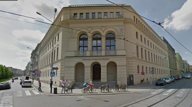 Gmach główny Uniwersytetu Artystycznego w Poznaniu przy Alejach Marcinkowskiego.