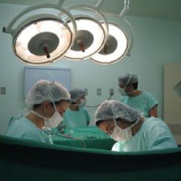 Poszkodowani pacjenci bardzo rzadko decydują się na zgłoszenie skarg do izb lekarskich.