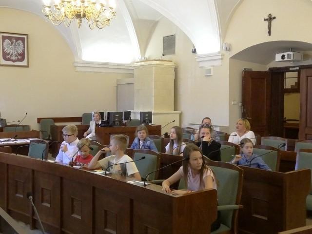 """""""Jeżyki"""" powstały z inicjatywy Rady Osiedla Jeżyce i nauczycieli ze Szkoły Podstawowej nr 71"""