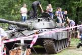 ZIELONA GÓRA. Ale akcja! Na pikniku w Lubuskim Muzeum Wojskowym każdy mógł zwiedzić wnętrza wojskowych eksponatów. I to jakich! [ZDJĘCIA]