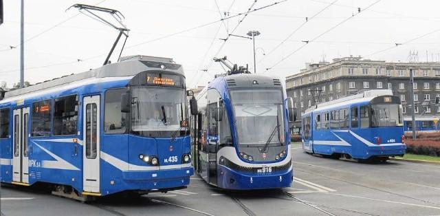 Korekty w kursowaniu komunikacji miejskiej, jakie mają wejść od października, będą  kosztować miasto 2,2 mln zł