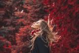 Modne fryzury na jesień i zimę 2021/2022. Najnowsze trendy, cięcia, stylizacje i kolory wprost z Instagrama [ZDJĘCIA] 16.10.21