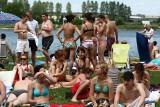 Plażowanie w Podlaskiem 10 lat temu! Tak się plażowało w regionie przed dekadą. Zobacz jak zmieniły się kąpieliska i plażowa moda [ZDJĘCIA]