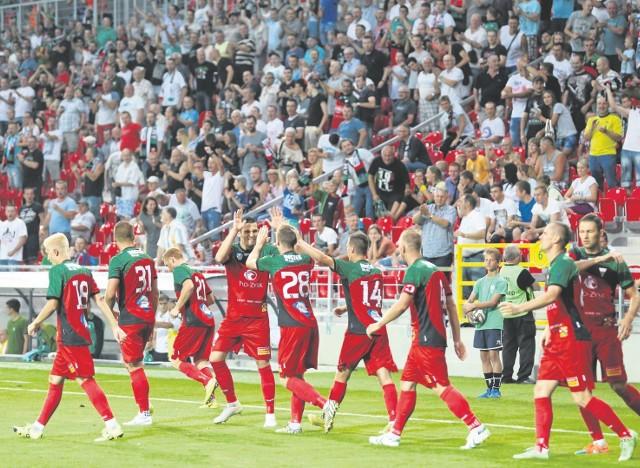 GKS Tychy rozgrywa drugoligowe mecze na nowym stadionie na 15 tys. miejsc. W sobotę spodziewanych jest ponad 7 tys. kibiców