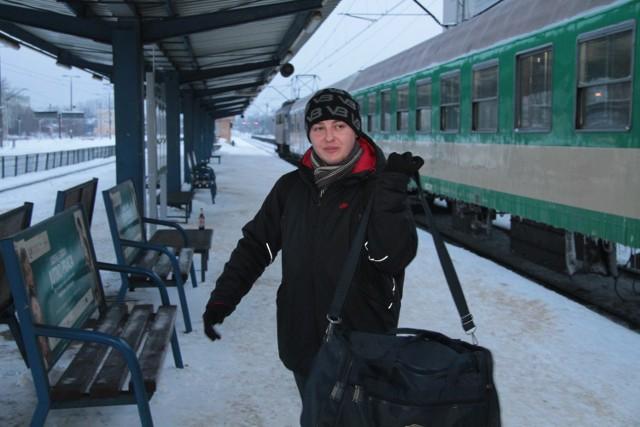 Kamil Zawadzki jechał pociągiem TLK Jadwiga do pracy, do Radomia. Z powodu strajku na kolei podróż musiał zakończyć w Kielcach.