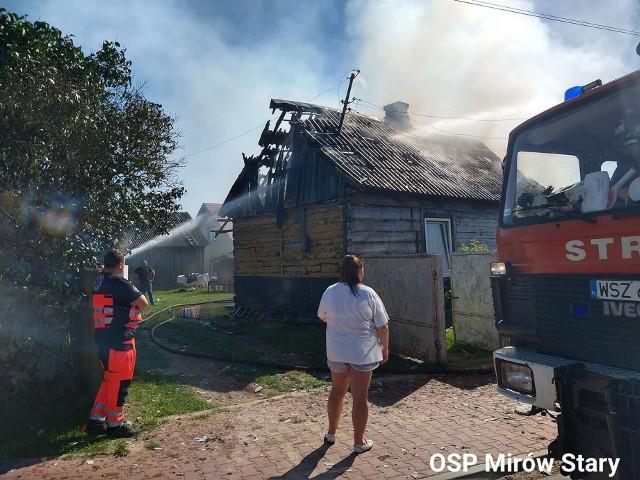 Pożar pozbawił rodzinę domu jednorodzinnego.