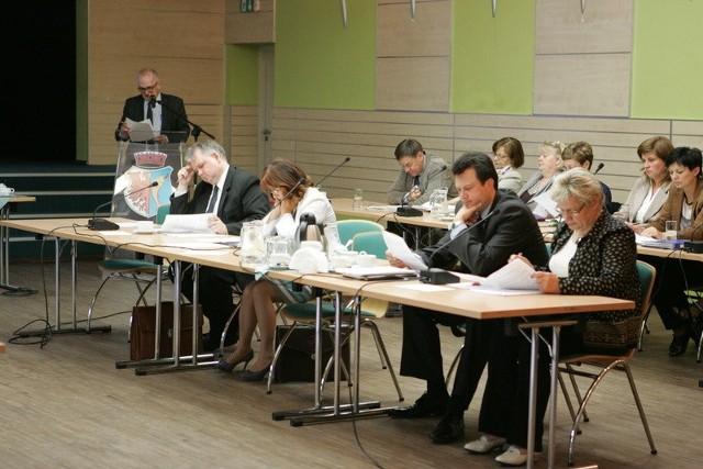 Decyzję o ustawieniu obelisku podjęli w listopadzie zeszłego roku kostrzyńscy radni.