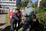 Katowice. Popiersia Kazimierza Kutza oraz Józefa Świdra zostały odsłonięte w Galerii Artystycznej Katowic przy placu Grunwaldzkim