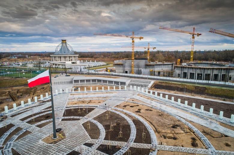 O. Tadeusz Rydzyk sfinalizował kolejną inwestycję w Porcie...