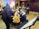 Młodzi muzycy z Gorzowa Śląskiego dzięki dotacji dostali nowe instrumenty [zdjęcia]