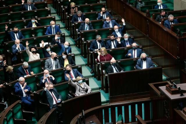"""Powraca spór o konwencję stambulską. Sejm zajmie się obywatelskim projektem ustawy """"Tak dla rodziny, nie dla gender"""""""