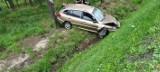 Pszczyna. Wypadek na DK1. Auto wypadło z drogi. Lądował śmigłowiec LPR. Droga jest częściowo zablokowana