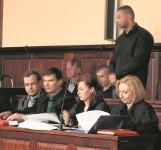 Samosąd na złodzieju bmw. Rozpoczął się proces czterech wrocławian oskarżonych o lincz