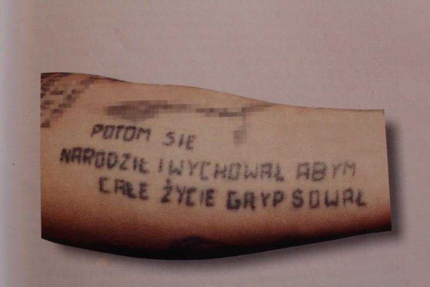 Łezki, kropki, węże, czyli tajemnice i symbolika więziennych tatuaży [14.06.2021]