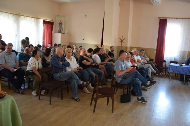 Spotkanie dotyczące przyszłości Pilska i Korbielowa w miejscowej remizie OSP.