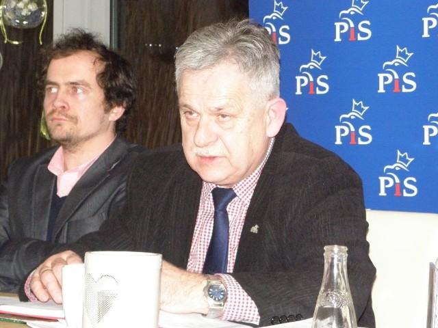 Aleksander Mrówczyński (z prawej) i Marcin Wałdoch woleliby straż miejską reformować
