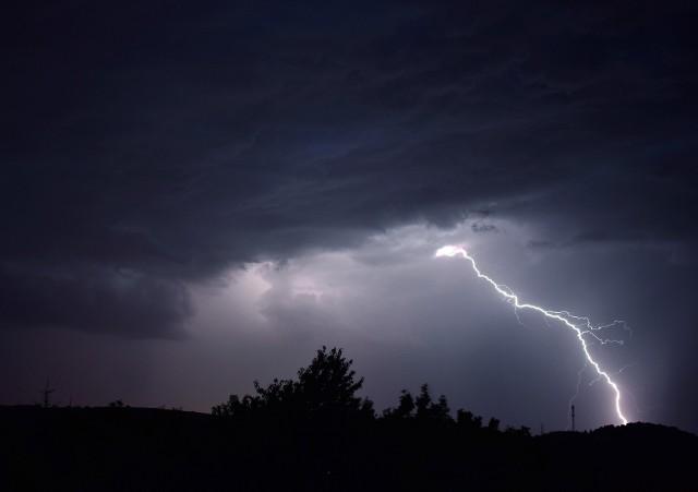 Synoptycy zapowiadają gwałtowne burze, z ulewami i gradem.