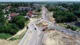 Trwa budowa obwodnicy Łańcuta. Postęp prac to 77 proc. Zdjęcia z drona