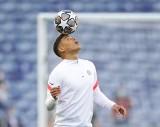 Finał Ligi Mistrzów: Thiago Silva odmienił Chelsea, a kibice kochają jego żonę (VIDEO)