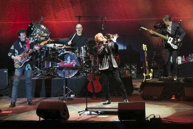 11. Festiwal Legend Rocka. Koncert zespołu YES w Dolinie Charlotty.