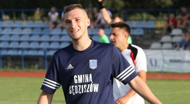 Tomasz Nartowski zdobył bramkę dla Unii Sędziszów w spotkaniu rozegranym w Kielcach przeciwko GKS Nowiny, zremisowanym 1:1. To czwarty gol gracza sędziszowskiej drużyny w tym sezonie.