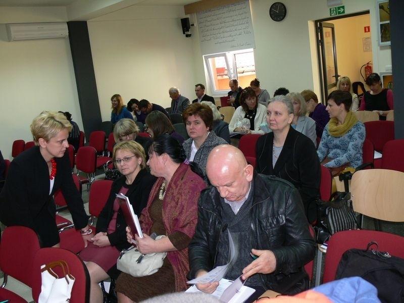 Na spotkanie do Biblioteki Pedagogicznej w Tarnobrzegu zaproszono bibliotekarzy i dyrektorów szkół z województwa podkarpackiego, świętokrzyskiego i lubelskiego.