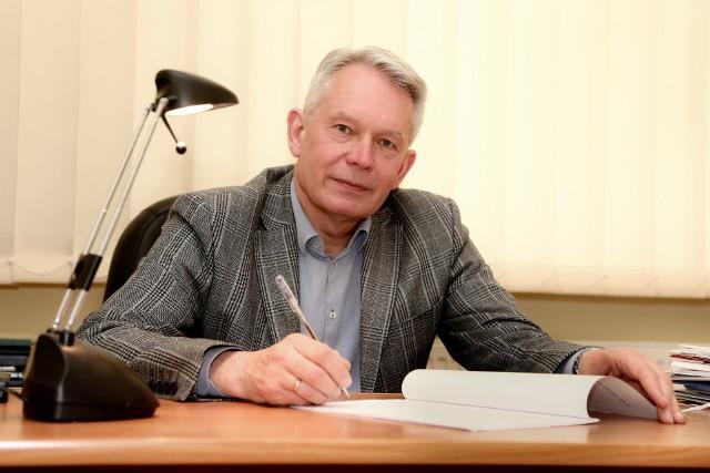 Prof. Andrzej Kaleta jest absolwentem UE, rocznik 1979, doktorat obronił w 1988 r., habilitację uzyskał w 2000 r. i od 2002 r. kierował Katedrą Zarządzania Strategicznego. Od 2014 r. jest profesorem zwyczajnym. Sprawuje obowiązki rektora Uniwersytetu Ekonomicznego we Wrocławiu od października 2016 roku. Także jego ojciec, Józef Kaleta, przez dwie kadencje był rektorem tejże uczelni