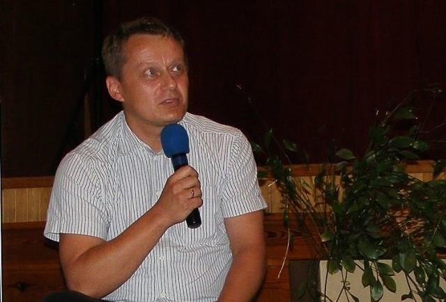 Jerzy Kalina (na zdjęciu) urodził się w 1967 r. w Bielsku Podlaskim. Od 1995 r. jest związany z Telewizją Polską, a od 2008 - z Telewizją Biełsat. Z prawej - autorka cyklu spotkań Elżbieta Fionik.