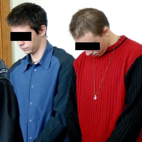 Daniel A. (z lewej) i Marcin K. prosili sąd o łagodny wyrok. Chcieli dla siebie kary w zawieszeniu.