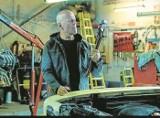 Recenzja filmu. Bruce Willis  jako lekarz i bezwzględny mściciel w filmie pt. Sprawiedliwy mściciel