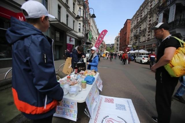Poświąteczną zbiórkę żywności organizuje Stowarzyszenie Klucz - Stop Społecznym Wykluczeniem.Zobacz kolejne zdjęcia. Przesuwaj zdjęcia w prawo - naciśnij strzałkę lub przycisk NASTĘPNE