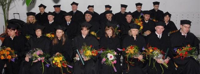 Stopień naukowy otrzymało teraz 11 doktorów nauk ścisłych i 11 humanistycznych