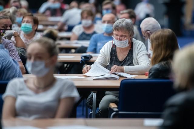 Szkolenie członków komisji wyborczych na terenie Międzynarodowych Targów Poznańskich. Kolejne zdjęcie --->