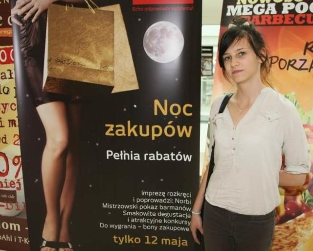 - Zakupy nocą to naprawdę dobry pomysł, zwłaszcza w Kielcach gdzie wieczorem zbyt wiele się nie dzieje. Były już takie z okazji andrzejek i wtedy kupiłam taniej sporo fajnych ciuchów. Teraz też się wybieram - mówi Inga Nowak.