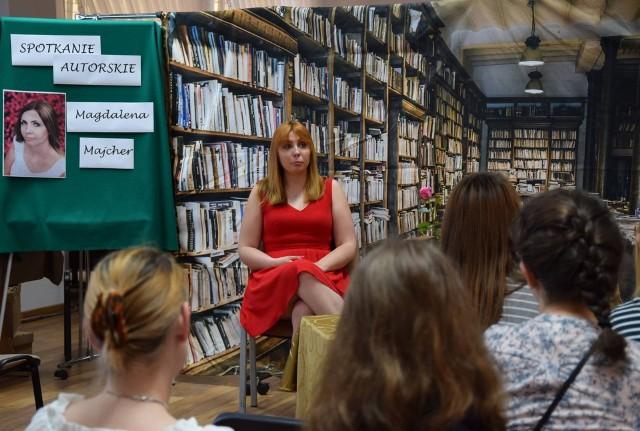 Wąsewo. Biblioteka zorganizowała spotkanie z pisarką Magdaleną Majcher