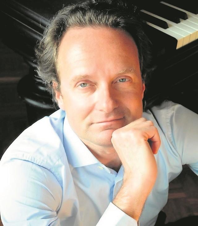 - Mam tylko nadzieję, że ta trasa koncertowa nie okaże się dla orkiestry zbyt męcząca - mówi Massimiliano Caldi