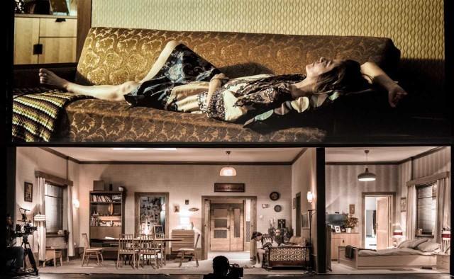 """Spektakl """"Pod presją"""" w reżyserii Mai Kleczewskiej można oglądać w Teatrze Śląskim w Katowicach od piątku. Najbliższe spektakle 27 marca oraz 18 i 19 kwietnia"""