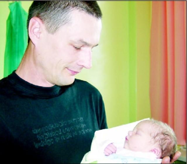 Wiktor Balon urodzil sie we wtorek, 14 lipca. Wazyl 2890g i mierzyl 52 cm. To pierwsze dziecko Malgorzatyi Radoslawa z Olszewki.