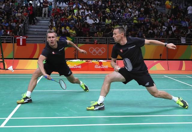 Adam Cwalina (z lewej) na Igrzyskach Olimpijskich w Rio de Janeiro tworzył debel z Przemysławem Wachą