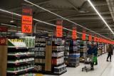 Jakie zapasy zrobić na wypadek epidemii? Koronawirus w Polsce. Co warto kupić? Lista niezbędnych produktów: makaron, konserwy...