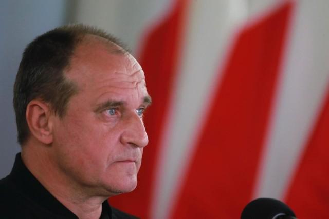 """Paweł Kukiz oskarża media o manipulację. """"Nie piszą, że potępiam Tuska, tyko że uczestników manifestacji"""""""
