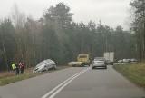 Tryczówka, Wojszki: Dwa dachowania samochodów. Czarny lód na jezdni (zdjęcia)