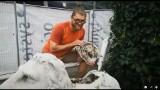 Zagadka betonowych lwów z opolskiego zoo rozwiązana. 95-letni autor opowiada o tajemniczym znalezisku