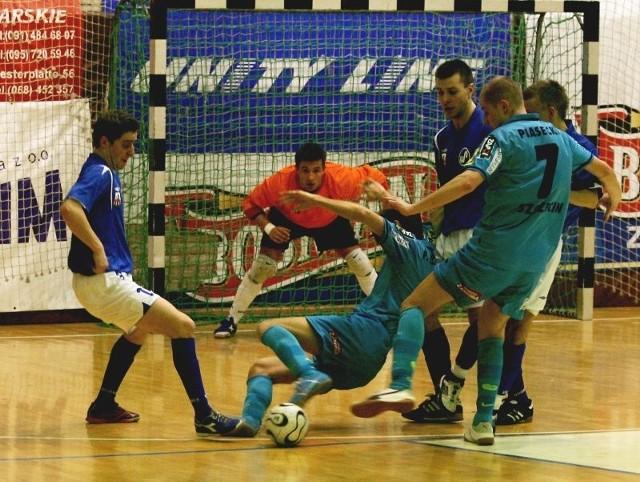 Tak było w meczu Pogoni'04 z Hurtapem w poprzednim sezonie. Goście wygrali 6:3, choć do przerwy przegrywali 0:2.